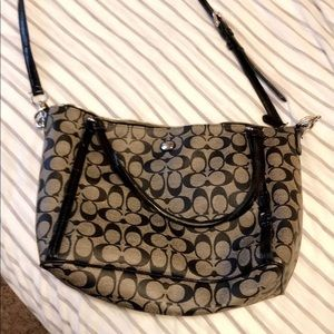 Medium sized coach purse